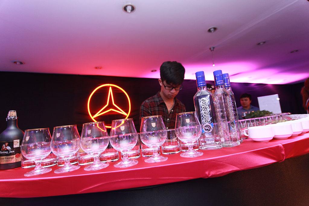 Vodka Xanh Duoc Dung Trong Cac Nha Hang