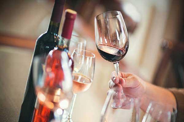 Cách nhận biết rượu vang ngon không phải ai cũng biết