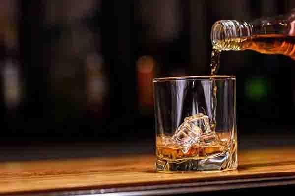 Ban Biet Gi Ve Ruou Whisky Single Malt 2